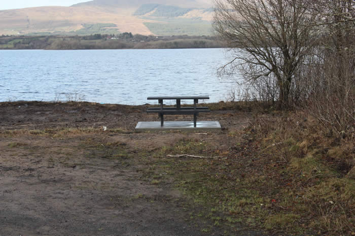 The new picnic table by the lakeside